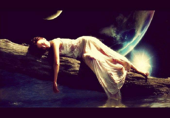 lucid-moon-akshay-moon